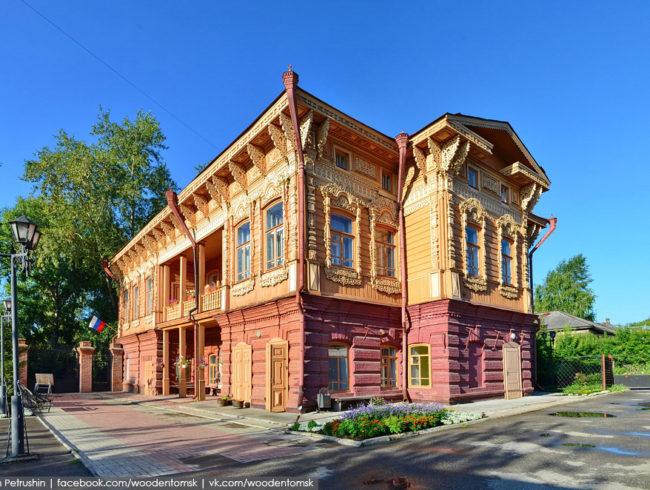 Экскурсия по зданию усадьбы Шишкова и её двору